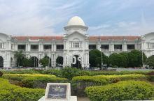 怡保是马来西亚霹雳州(Perak)首府,位于吉隆坡西北,距离吉隆坡大约200多公里,它大致处于大马两