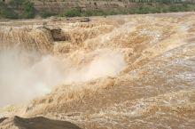 黄河壶口瀑布位于山西省和陕西省的交界处,这段黄河就是陕西和山西界河,壶口瀑布西岸是陕西延安市宜川县,