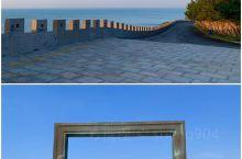 蔚蓝之城~威海 漫步在威海这座海滨之城,随处可以感受湛蓝天空和蔚蓝的大海,被安逸和舒适时刻围绕着。壮