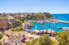 土耳其-安塔利亚是一座海滨城市,历史悠久,面临地中海,典型的地中海气候,夏季炎热干燥,冬季温和多雨。