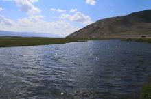 清澈的河水