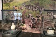 成都市博物馆 馆藏丰富 从远古时代 传说中的蚕丛鱼凫 一直到民国时期  非常别致的是 对成都市井生活