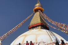 尼泊尔总是有一种神秘感,能让去往的人虔诚起来。我很羡慕这个国家人人都有信仰,有敬畏,敬畏神明敬畏生命