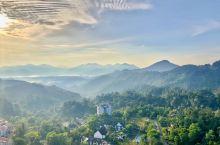 去奥莱斯方便!云顶半山腰最佳酒店  云顶高原常年18-22度气候,避暑好去处!这家新开酒店,在半山腰