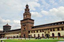 博物馆之一、斯福尔扎城堡(Sforza Castle)于1450年修建,曾是斯福尔扎家族的居所,现为