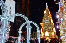 圣诞的首尔别样的圣诞,交流学习赶上圣诞节,简直是太浪漫的事了。但也有感觉是换个地方逛街,到处都有华人