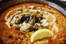 【日本仙台美食 | 超级好吃的牡蛎饭】  仙台不止有牛舌,牡蛎饭也非常好吃。这次在仙台站尝试了一家以