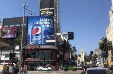 洛杉矶Hollywood星光大道路口,对着北边的教堂拍的