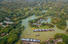 """秋芦飞雪,是""""西溪八景""""之一 位于西溪湿地中心水域,在一座孤岛上,也是西溪湿地的精华版块。又叫秋芦飞"""