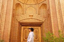 """#西北以西,自带人文滤镜的喀噶尔# 若新疆是形容词的话,喀什称得上最""""新疆""""的城市。 在这座与北京有"""