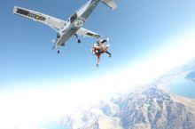 纵身一跃的感觉真好,整个过程我没有一点害怕,只有兴奋和激动,庆幸自己明智升级了15000英尺,60秒