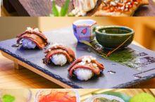 广州美食 这家日料店让你一秒穿越到日本~ 位于中华广场6楼的秋枫媚料理,非常日式的装修风格,让人宛若