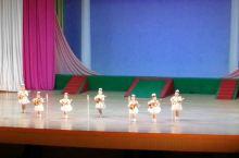 朝鲜小朋友的精彩表演