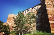 可以遥望安卡拉全景的古城堡    安卡拉最著名的旅游景点非安卡拉城堡莫属了!这座城堡在公元前2世纪就