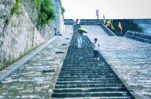 当年烽火百尺楼,黄昏独上旧城头  对城墙一直有一种深深的执念,雁门关也好,长安也罢。这次是南京。 我