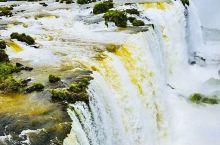 伊瓜苏瀑布是世界上最宽的瀑布。南美洲土著居民瓜拉尼人的语言中,伊瓜苏是
