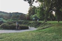 斯洛文尼亚的日常生活 卢布尔雅那是斯洛文尼亚的首都,这座超级迷你和可爱的城市,住在市区里,步行5分钟