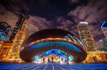 芝加哥的地标,集艺术、音乐、建筑和景观设计为一体,是来芝加哥的首选!标志性的雕塑——云门(Cloud