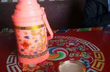 D13:来多——班戈  早饭一壶甜茶后,临行前又特意带了满满一保温壶路上喝,从来多乡往尼玛县的省道路