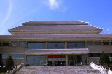 邹城博物馆   邹城·济宁  邹城市博物馆是首批国家三级博物馆。位于邹城市区南部, 峄山路东侧。南与