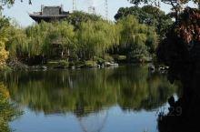无锡这么多风景优美的公园,感觉蠡园也是数得上的。尤其是春天和秋天的蠡园,千娇百媚,五彩斑斓。在湖边坐