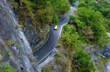 台湾花莲太鲁阁国家地质公园,景区以高山和峡谷为主要地形特色,沿线山岭高入云霄,谷深莫测,溪流蜿蜒,飞