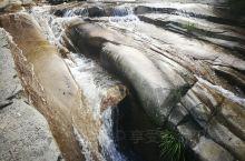 霍山大别山区内的峡谷。