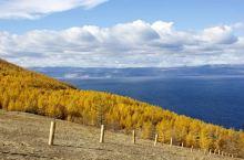 """贝加尔湖   很多人对冬日的贝加尔湖心怀向往,是因为这里有难得一见的""""蓝冰""""。其实,这里的秋天也有别"""