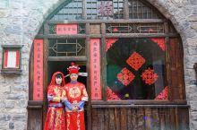塔尔坡古村因位于神仙峪内神塔附近而得名。此村落已有1500多年的历史,村里共有二十多个院落,依山而建