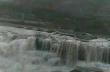 壶口瀑布位于山西吉县与陕西宜川县交界的峡谷之中,门票100块