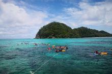 美人鱼岛浮潜……