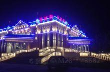 2018年9月8日到布尔津时已是华灯初放了,大家饥肠辘辘,到预定的酒店放下行李,就忙着找夜市。布尔津
