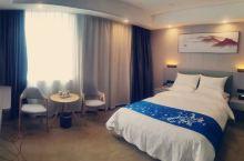 房间比较温馨舒适,干净整洁,大唐给人感觉简单舒适,适合我们,给个赞