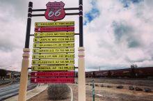 66号公路上最出名的小镇 金曼(kingman) 值得停留 必须走一走看一看 在美国开车是孤独的 没