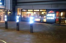 宁波的夜景不错的吧!高鑫广场的必胜客,挺不错的去处,可以有空去看看哦!