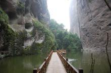 寨下大峡谷是由三条景观完全不同的峡谷组成的,这三条峡谷正好构成了一个三角形,从而形成了一个闭环,游客