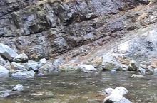 秋保瀑布有两条观赏路线。 第一条是从秋保泷本山西光寺附近进入,从瀑布顶端赏瀑。 第二条是徒步从顶端附