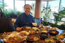大长今的故乡,也是因为大长今的故事,韩餐文化发扬一把光大,做工精致,口味不错,人均130块钱人民币,