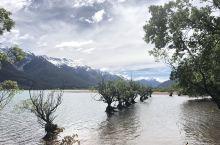 魔戒小镇  详细地址:格林诺奇位于新西兰南岛奥塔哥地区瓦卡蒂普湖北岸,是一个风景优美的小镇,距离皇后