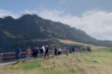 """【府行记-济州岛】 """"城山日出峰"""" 10万年前 海底火山爆发而形成的巨大岩石山 济州岛的代表名胜之一"""