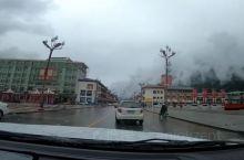 波密县,位于西藏自治区东南部,是西藏商品粮基地县之一,是出口菌类松茸、羊肚菌的重要产地之一,境内海洋