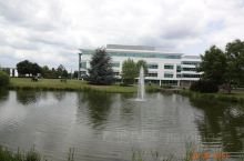 赫特福德大学新校区。英国赫特福德大学创建于1952年。是英国女王亲自批准成立的大学之一。曾获得英国女