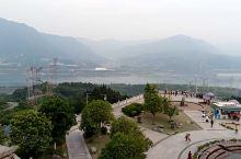 湖北宜昌三峡之旅,当前影像视频是三峡水库、三峡广场、三峡大坝,此行感触颇深: 大自然是多么宏达,滚滚