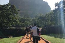 【景点攻略】 详细地址:地址就是直接搜索Sigiriya stone ,著名的十大奇观  交通攻略: