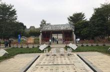 广西北海园博园中的北海珠联书院,按原址仿建,是北海有名的文化景观之一,其建造风格完全像江南园林,小巧