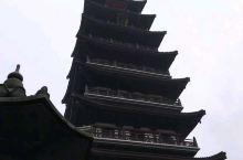 長興、壽聖寺塔。 寶塔建於2009年。為四方形九層樓閣式,高六十九米,塔的下半部分七層呈四邊形,仿唐