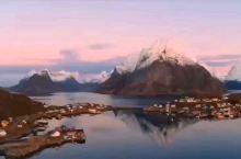 挪威 罗弗敦群岛 ;这个岛屿物产丰富多彩,美丽富饶。当你来到这个群岛,在明媚阳光昭耀下,更像是进入到