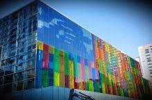 我在这里#  蒙特利尔·魁北克省  会议中心 蒙特利尔会议中心 位置很好 在老城边上 不像现在很多城