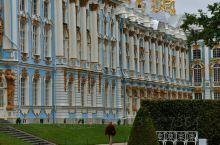 叶卡捷琳娜宫(The Catherine Palace)又称凯瑟琳宫,位于俄罗斯普希金市,建造于17