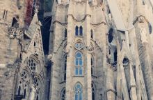 永恒的脚手架,不变的圣家堂。